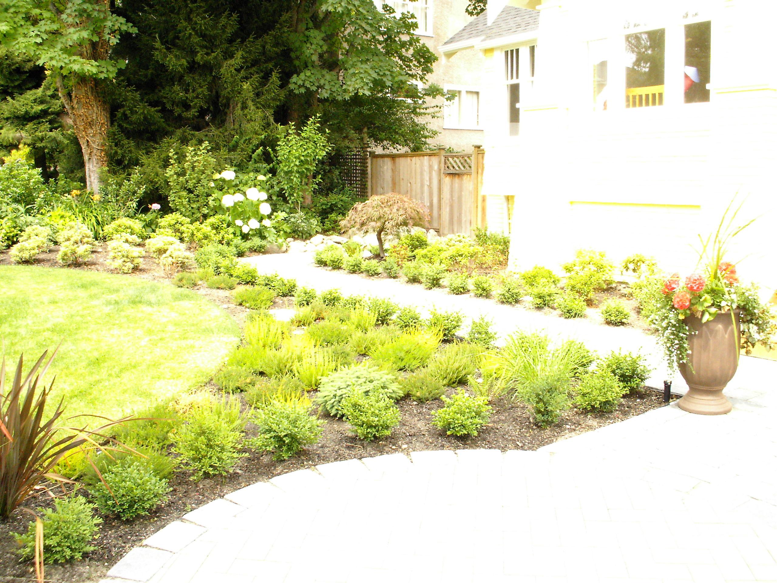 lawn & garden construction - residential landscaping